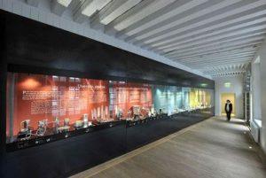 Musée Mandet, Riom - Galerie consacrée à l'orfèvrerie contemporaine ©Joël Damase